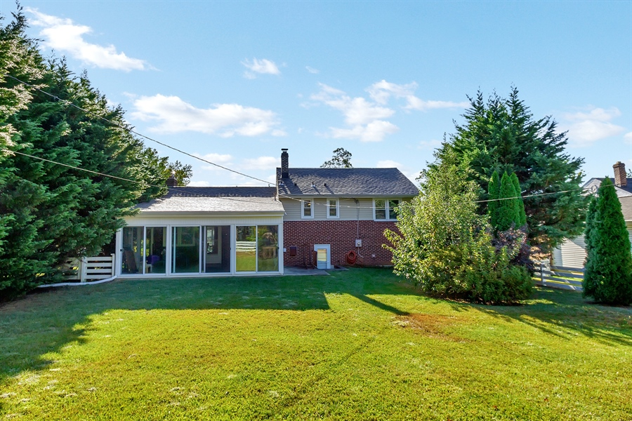 Real Estate Photography - 1113 Wilson Rd, Wilmington, DE, 19803 - Large private fenced in backyard