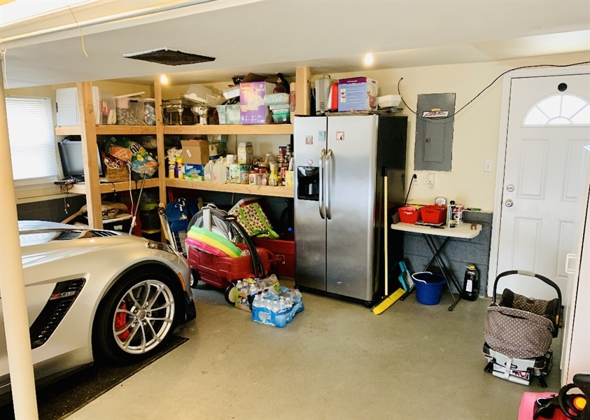 Real Estate Photography - 24 Marta Dr, Wilmington, DE, 19808 - Double Car Heated Garage