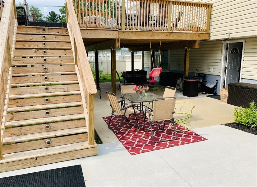 Real Estate Photography - 24 Marta Dr, Wilmington, DE, 19808 - Steps down to Brand New Concrete Patio