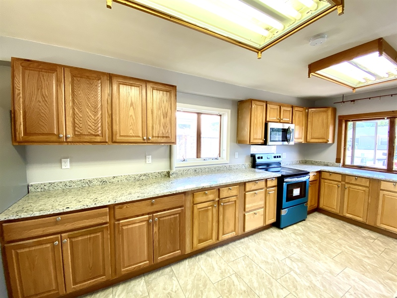 Real Estate Photography - 1019 Marrows Rd, Newark, DE, 19713 - Tons of Cabinet Space
