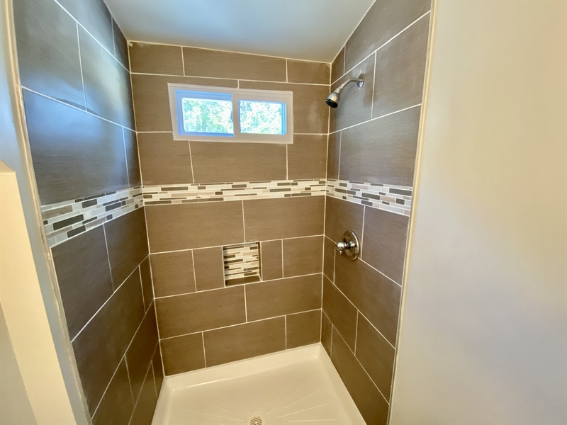 Real Estate Photography - 2301 Diamond St, Wilmington, DE, 19804 - Stall Shower