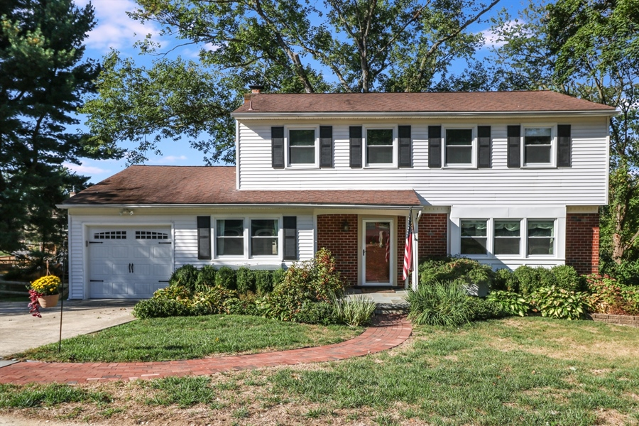 Real Estate Photography - 16 Yellow Pine Ct, Wilmington, DE, 19808 - Front View