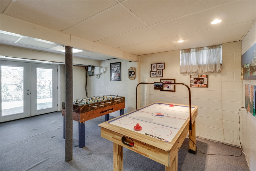 Real Estate Photography - 16 Yellow Pine Ct, Wilmington, DE, 19808 - Basement/Game area