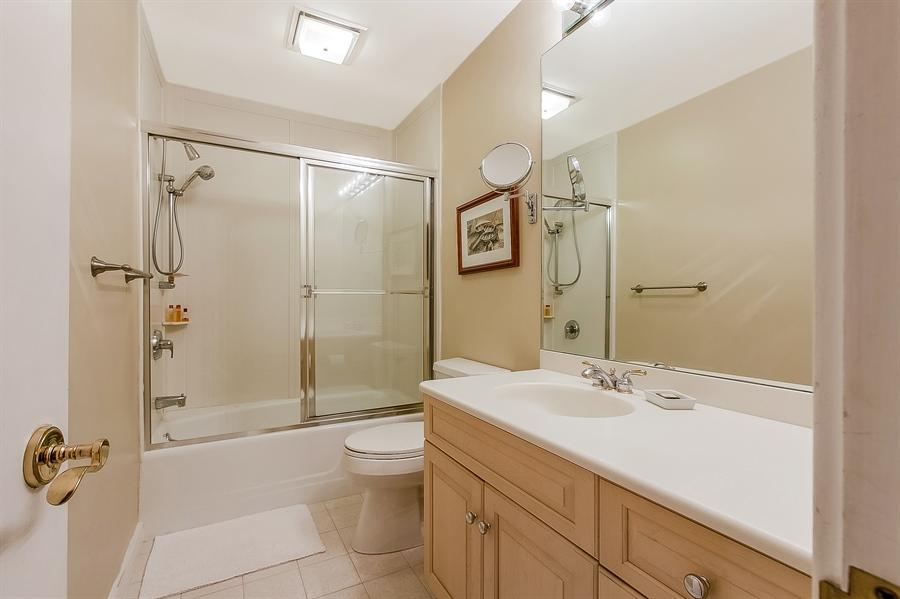 Real Estate Photography - 102 S Kildonan Gln, Wilmington, DE, 19807 - Lower Level Full Bath