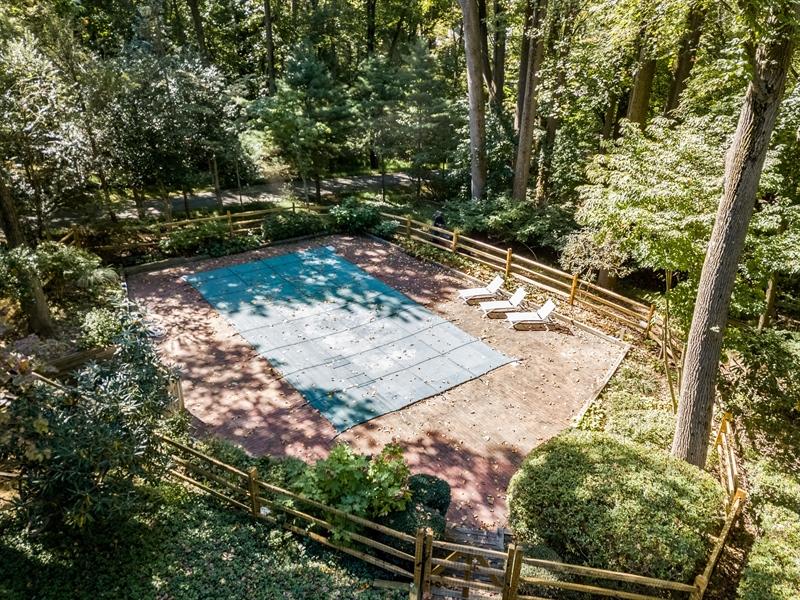 Real Estate Photography - 102 S Kildonan Gln, Wilmington, DE, 19807 - Heated Inground Pool