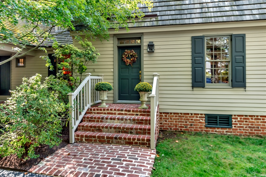 Real Estate Photography - 118 Chandler Ave, Wilmington, DE, 19807 - Brick Colonial Exterior