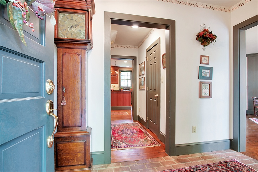 Real Estate Photography - 118 Chandler Ave, Wilmington, DE, 19807 - Warm, Inviting Entrance