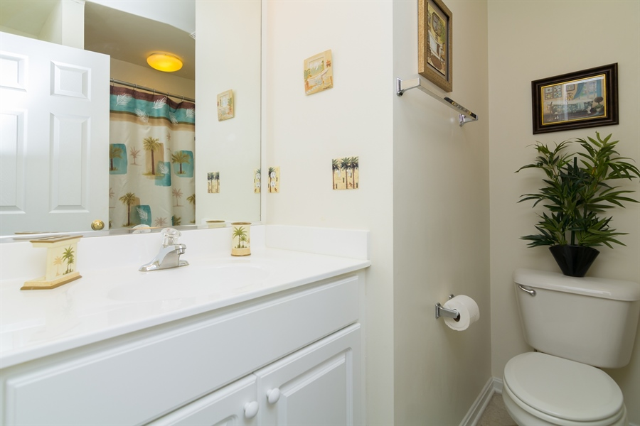 Real Estate Photography - 39035 Beacon Drive #5, 5, Fenwick Island, DE, 19944 - Full bath in upstairs Hallway for BR 3& BR 4