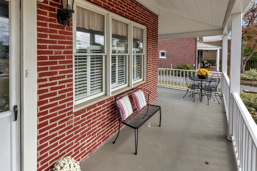 Real Estate Photography - 2905 W 6th St, Wilmington, DE, 19805 - Wrap Around Porch