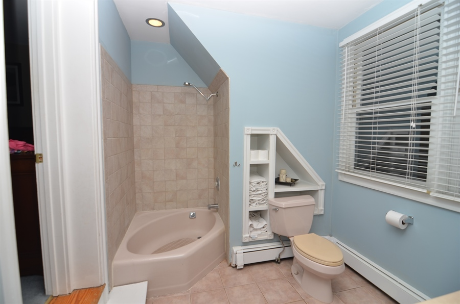 Real Estate Photography - 2905 W 6th St, Wilmington, DE, 19805 - Master Bath