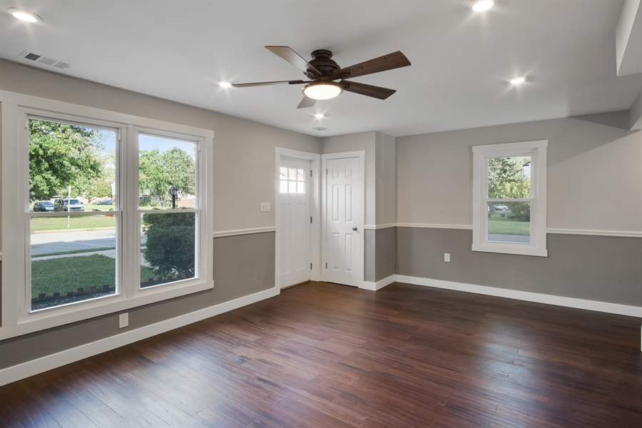 Real Estate Photography - 29 Patrick Henry Ct, Newark, DE, 19711 - Fabulous Living Room w/Recessed LEDs & Ceiling Fan