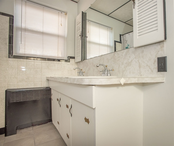 Real Estate Photography - 1817 Linden St, Wilmington, DE, 19805 - Another view of full Bathroom