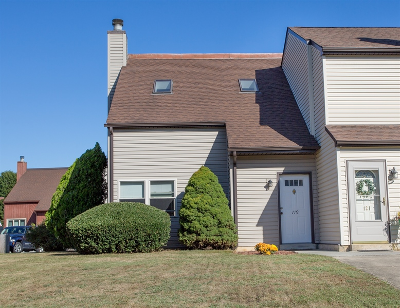 Real Estate Photography - 119 E Green Valley Cir, Newark, DE, 19711 - 199 East Green Valley Circle
