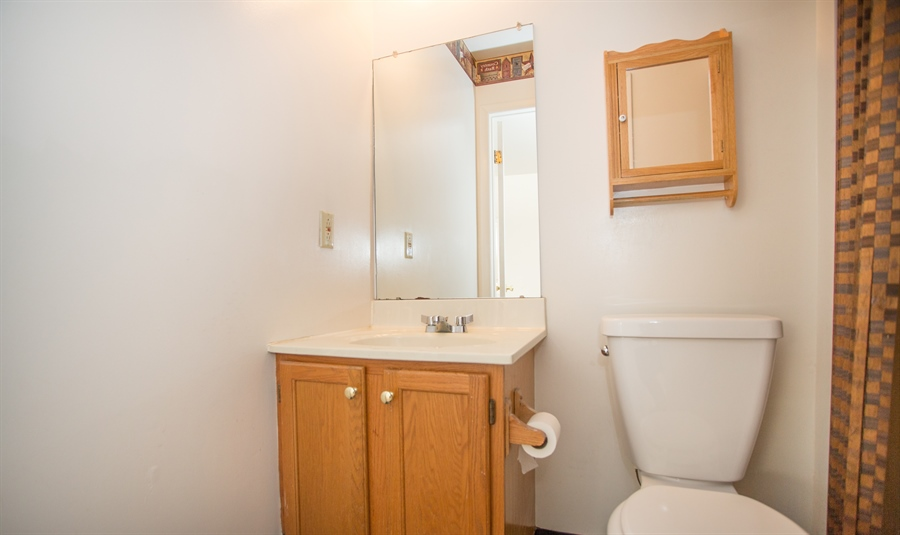Real Estate Photography - 119 E Green Valley Cir, Newark, DE, 19711 - Powder room on main level