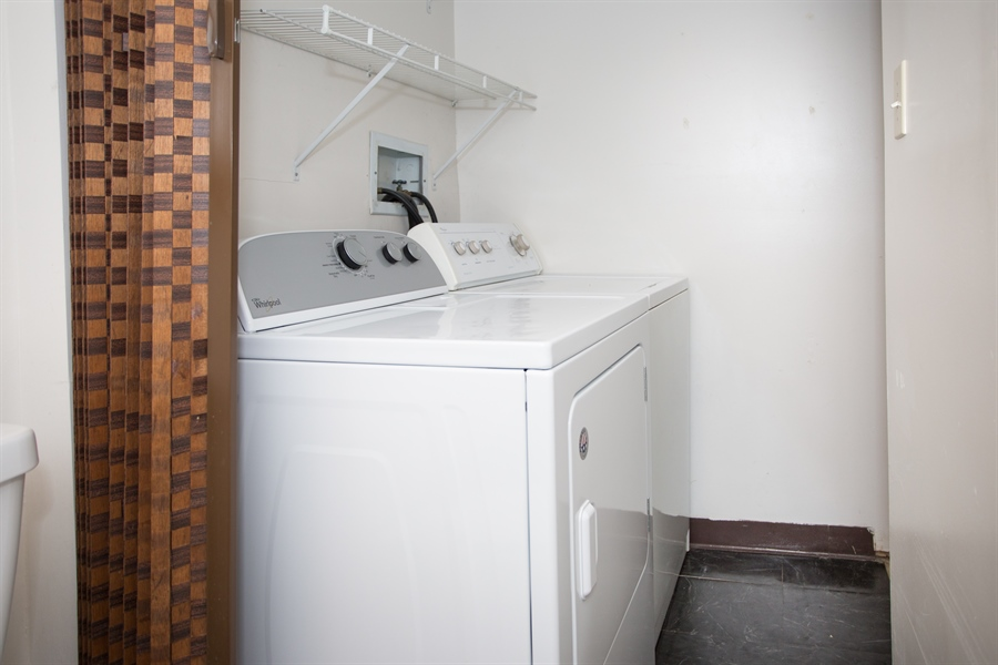 Real Estate Photography - 119 E Green Valley Cir, Newark, DE, 19711 - All appliances included!