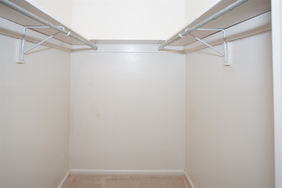 Real Estate Photography - 119 E Green Valley Cir, Newark, DE, 19711 - Walk-in closet!