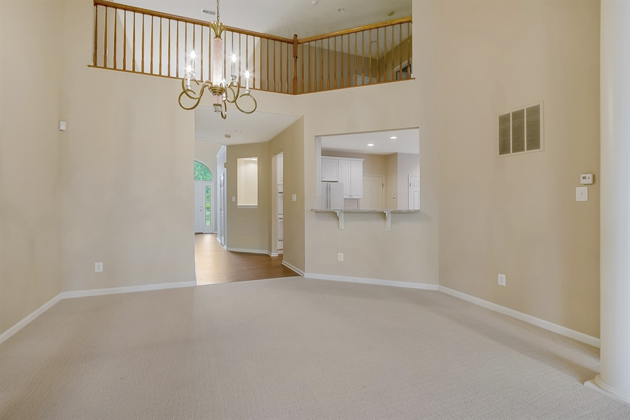 Real Estate Photography - 192 Landis Way N, Wilmington, DE, 19803 - Looking back to the entrance way