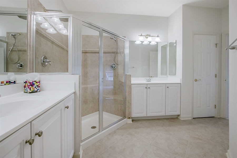 Real Estate Photography - 192 Landis Way N, Wilmington, DE, 19803 - Master bath
