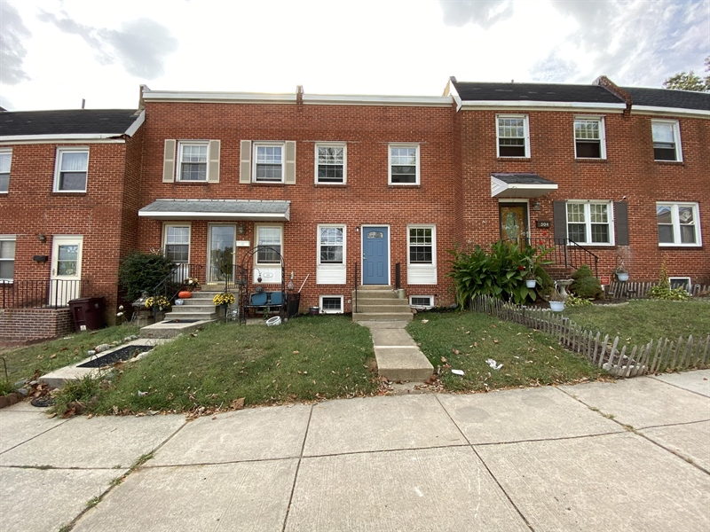 Real Estate Photography - 306 9th Ave, Wilmington, DE, 19805 - Location 1