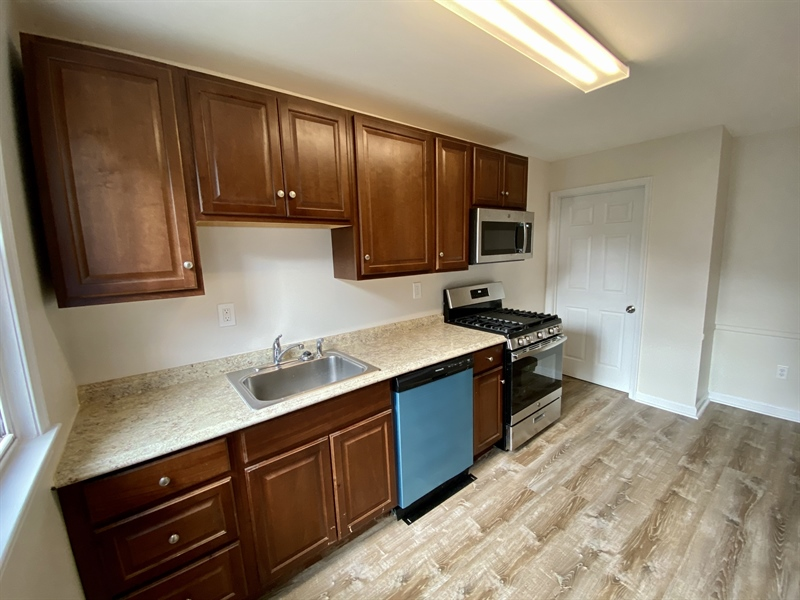Real Estate Photography - 306 9th Ave, Wilmington, DE, 19805 - Lots of Cabinets