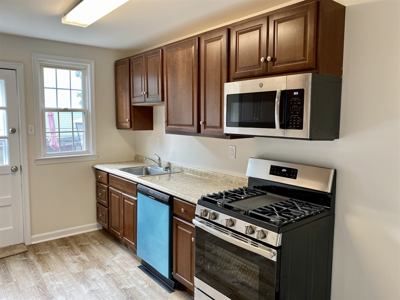 Real Estate Photography - 306 9th Ave, Wilmington, DE, 19805 - Brand New Appliances