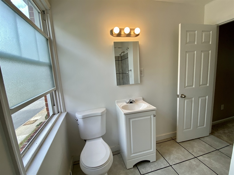 Real Estate Photography - 306 9th Ave, Wilmington, DE, 19805 - New Vanity