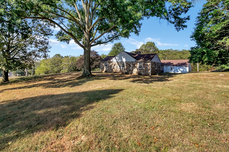 Real Estate Photography - 125 Sawmill Rd, Landenberg, PA, 19350 - Location 14