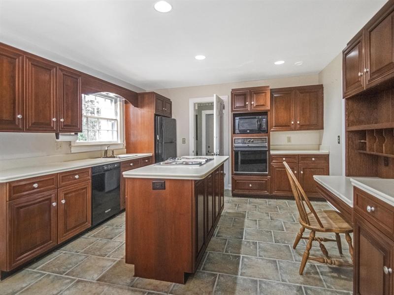 Real Estate Photography - 615 Berwick Rd, Wilmington, DE, 19803 - Kitchen