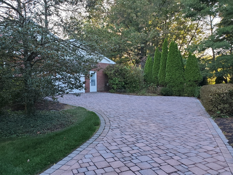 Real Estate Photography - 615 Berwick Rd, Wilmington, DE, 19803 - Paving stoned driveway