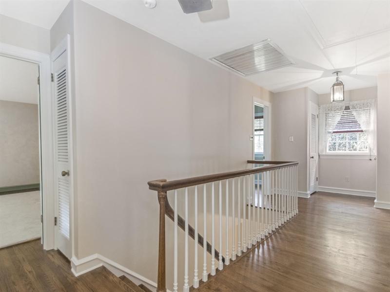 Real Estate Photography - 615 Berwick Rd, Wilmington, DE, 19803 - Upstairs Foyer