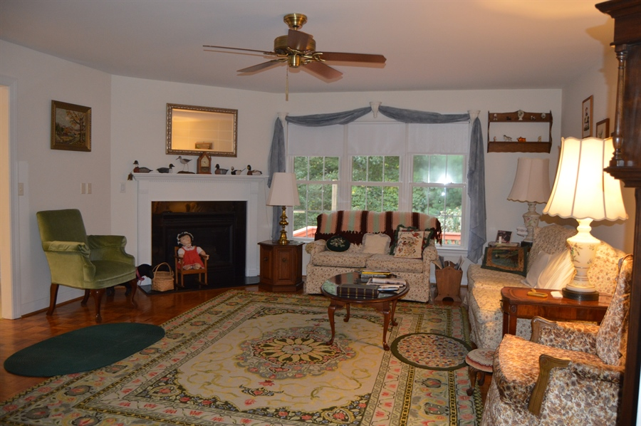 Real Estate Photography - 39 Vining Run, Camden Wyoming, DE, 19934 - Family Room w Gas Fireplace