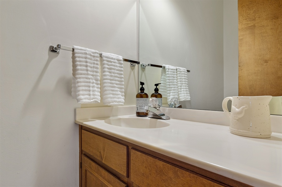 Real Estate Photography - 823 Starvegut Ln, Kennett Square, PA, 19348 - Powder Room 2