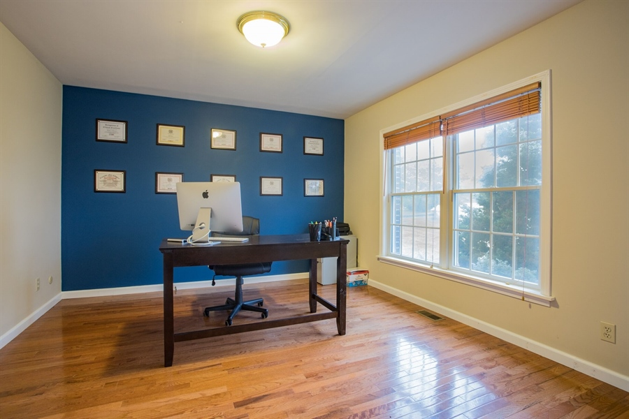 Real Estate Photography - 201 Manor Dr, Middletown, DE, 19709 - Office