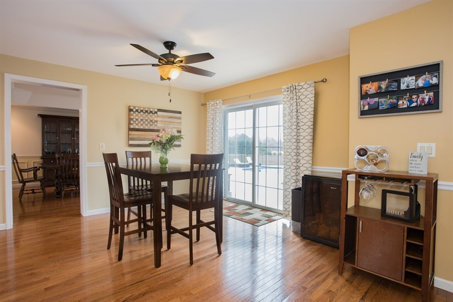 Real Estate Photography - 201 Manor Dr, Middletown, DE, 19709 - Eat-In Kitchen