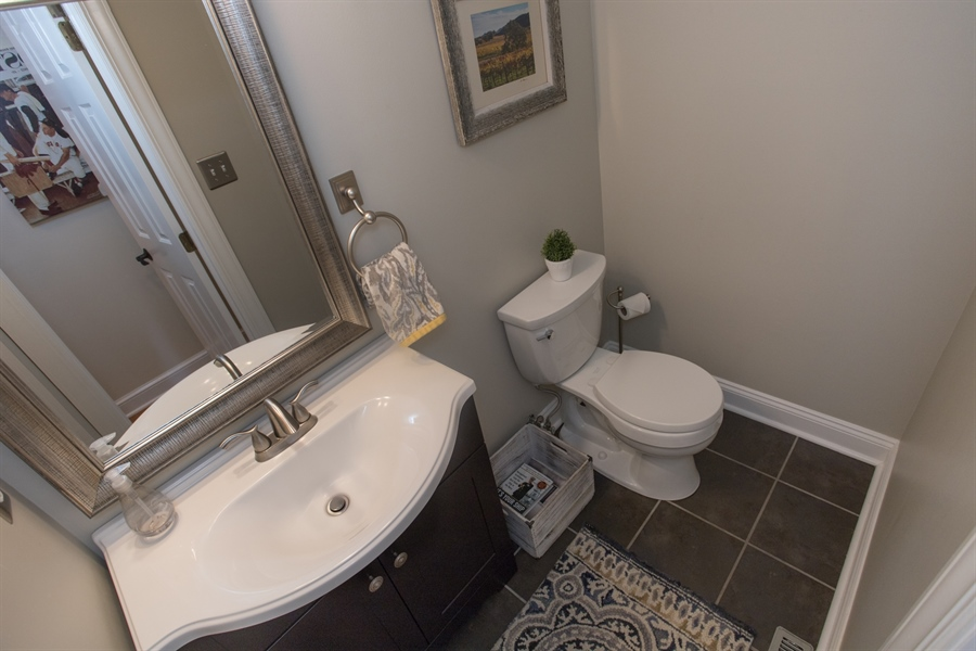 Real Estate Photography - 6 Welwyn Rd, Newark, DE, 19711 - Powder room