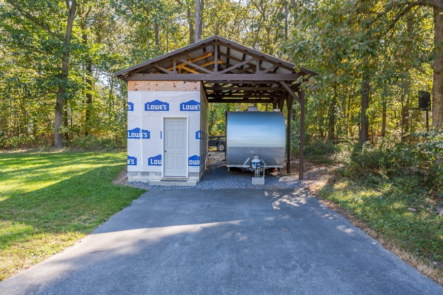 Real Estate Photography - 20 Water St, Lincoln, DE, 19960 - SIDE LOAD OVERSIZED GARAGE