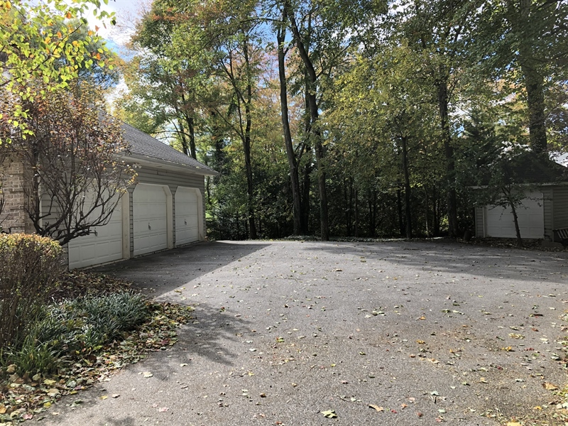 Real Estate Photography - 4919 Lancaster Pike, Wilmington, DE, 19807 - Huge level driveway w/ 3 car garage & shed