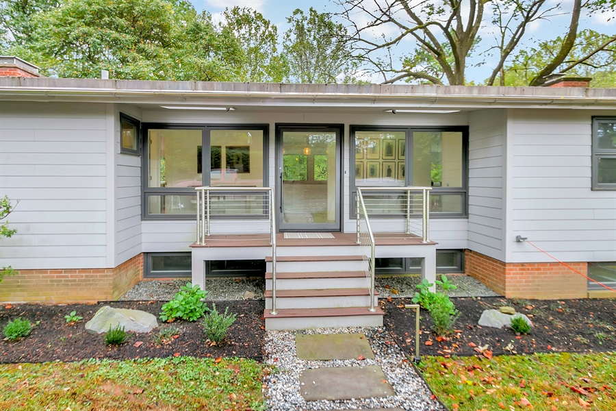 Real Estate Photography - 112 S Spring Valley Rd, Greenville, DE, 19807 - Trex Front Porch