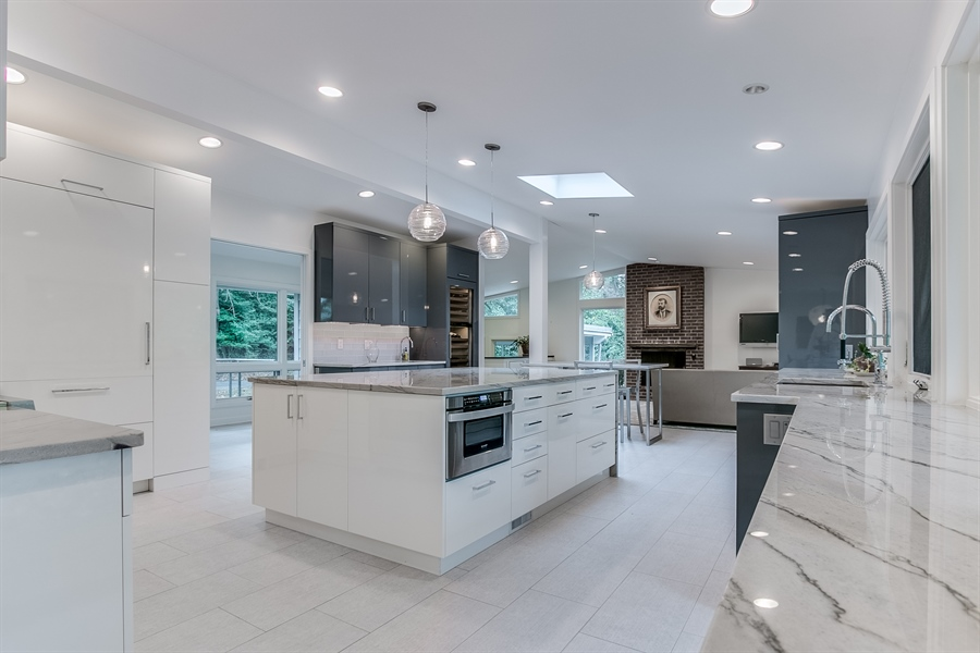 Real Estate Photography - 112 S Spring Valley Rd, Greenville, DE, 19807 - Gorgeous Renovated Kitchen