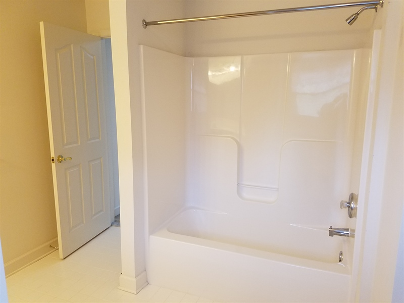 Real Estate Photography - 351 Regis Falls Ave, Wilmington, DE, 19808 - 2nd floor master suite bathroom
