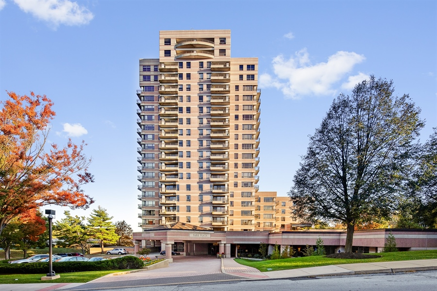 Real Estate Photography - 1100 Lovering Avenue #1100, 1100, Wilmington, DE, 19806 - Park Plaza Condominium