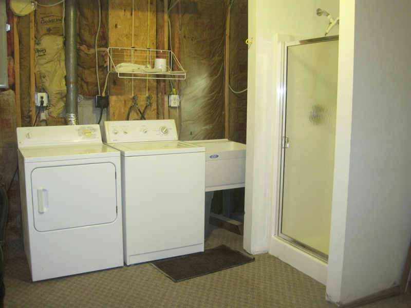 Real Estate Photography - 21 B North East Isles Drive, North East, DE, 21901 - laundry area