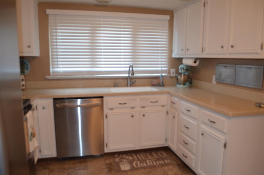 Real Estate Photography - 119 S Dillwyn Rd, Newark, DE, 19711 - New Quartz Counters and Sink