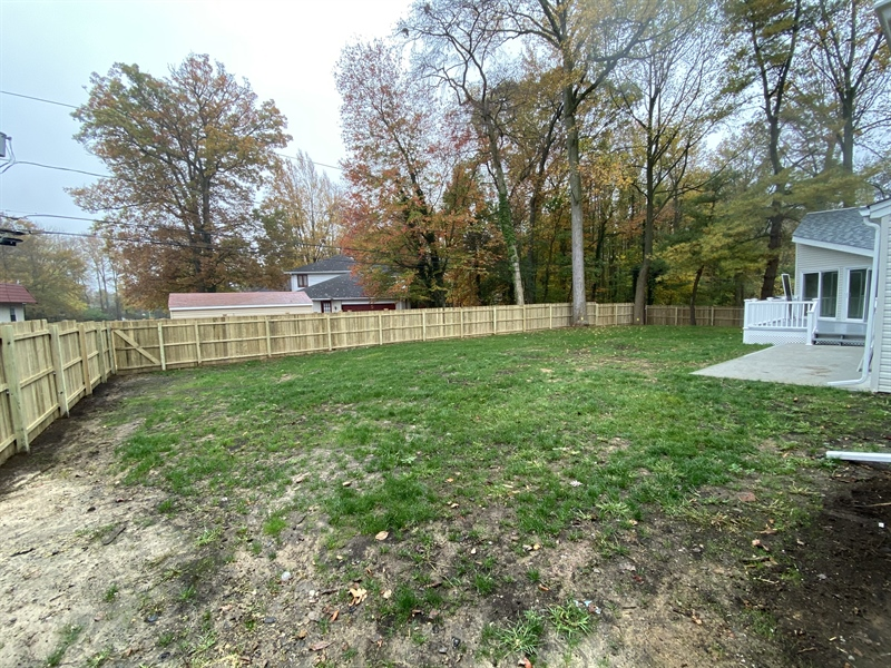 Real Estate Photography - 206 Hoiland Dr, Wilmington, DE, 19803 - Fully Fenced-in Yard