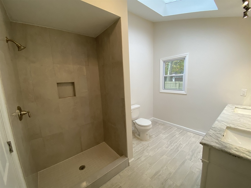 Real Estate Photography - 206 Hoiland Dr, Wilmington, DE, 19803 - Master Bath with Skylight