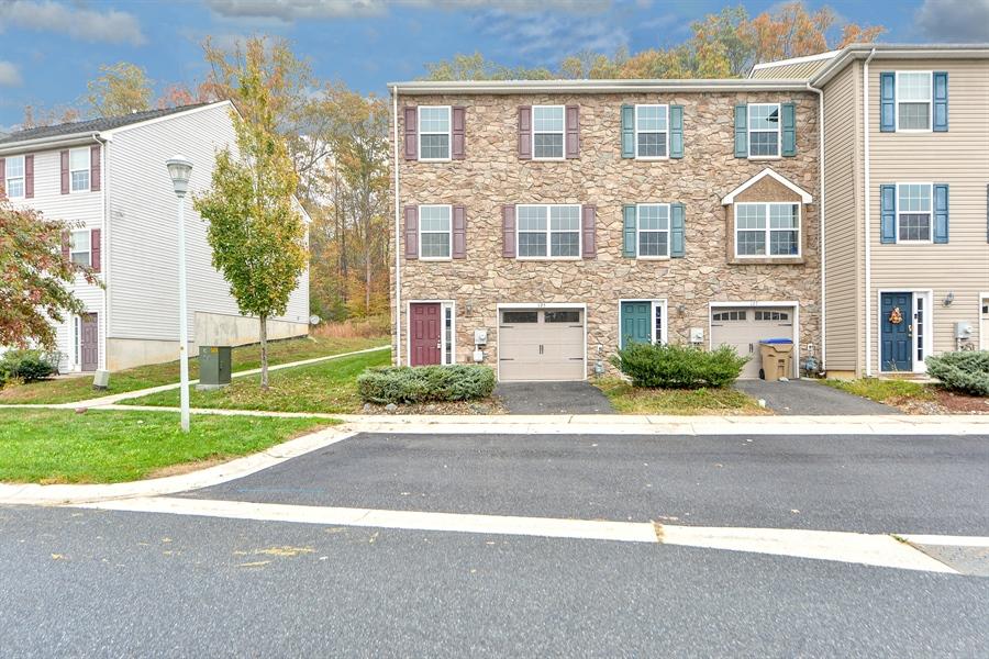 Real Estate Photography - 125 Ben Boulevard, Elkton, DE, 21921 - Welcome to Hickory Knoll