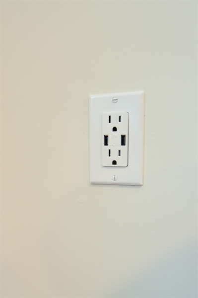 Real Estate Photography - 125 Ben Boulevard, Elkton, DE, 21921 - 3 NEW outlets, each with 2 USB chargers on board