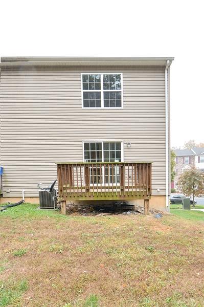 Real Estate Photography - 125 Ben Boulevard, Elkton, DE, 21921 - Back deck
