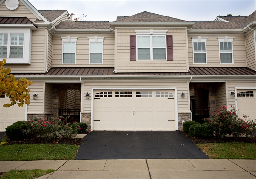 Real Estate Photography - 148 Landis Way N, Wilmington, DE, 19803 - Location 1