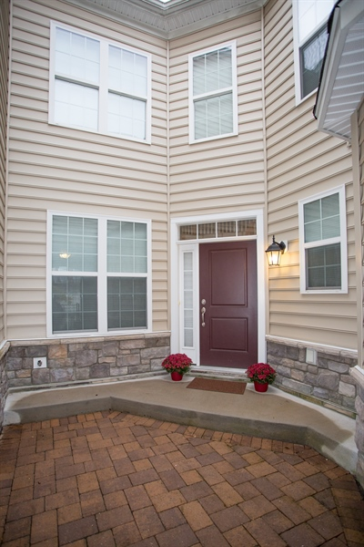 Real Estate Photography - 148 Landis Way N, Wilmington, DE, 19803 - Beautiful courtyard entry!